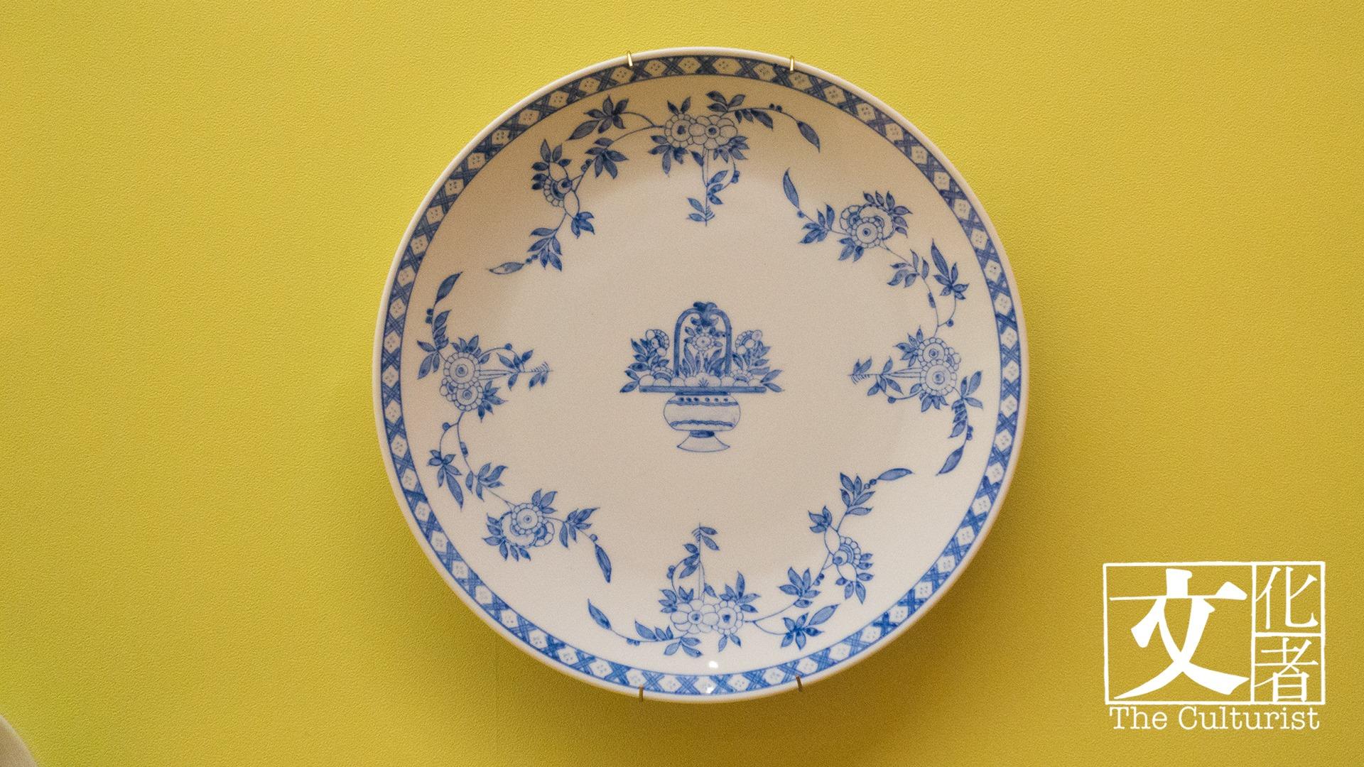 1975年督麥理浩夫人訂,百年前英國Hogarth仿造圖案 2010年譚志雄師傅全手繪仿製