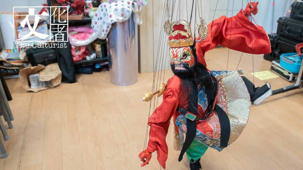 這次演出裏會用到的鍾馗提線木偶,甚具架勢。